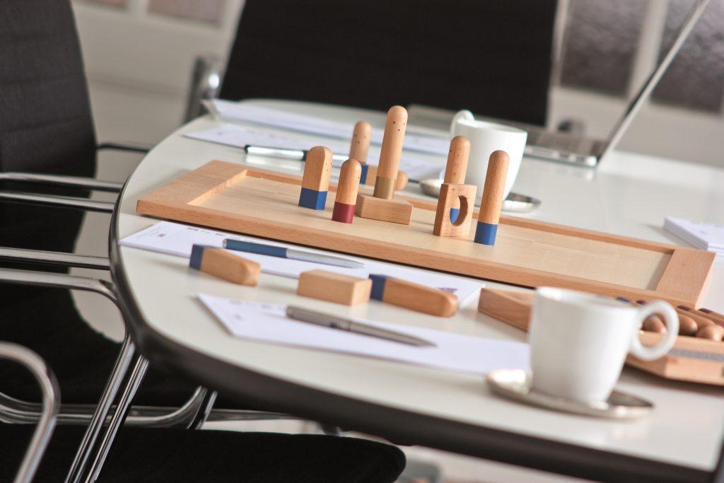 Familienbrett-Aufstellungen, Tisch mit Systembrett